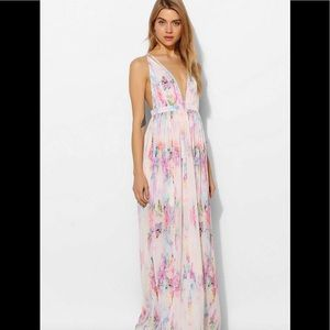 Oh my love strapped plunge maxi dress